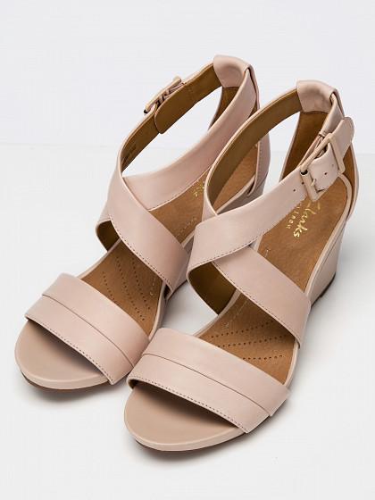 Sieviešu augstpapēžu kurpes clarks