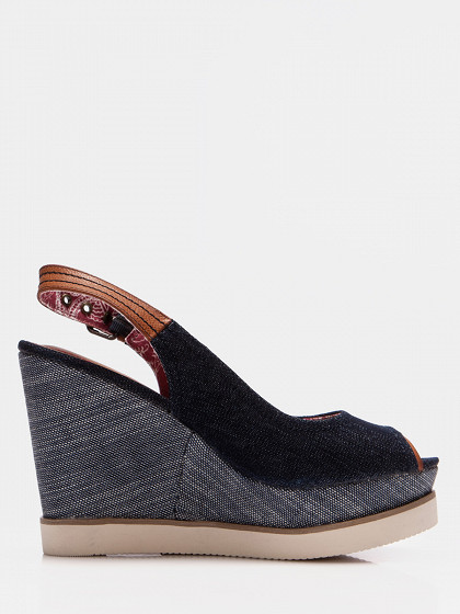 Sieviešu augstpapēžu kurpes wrangler